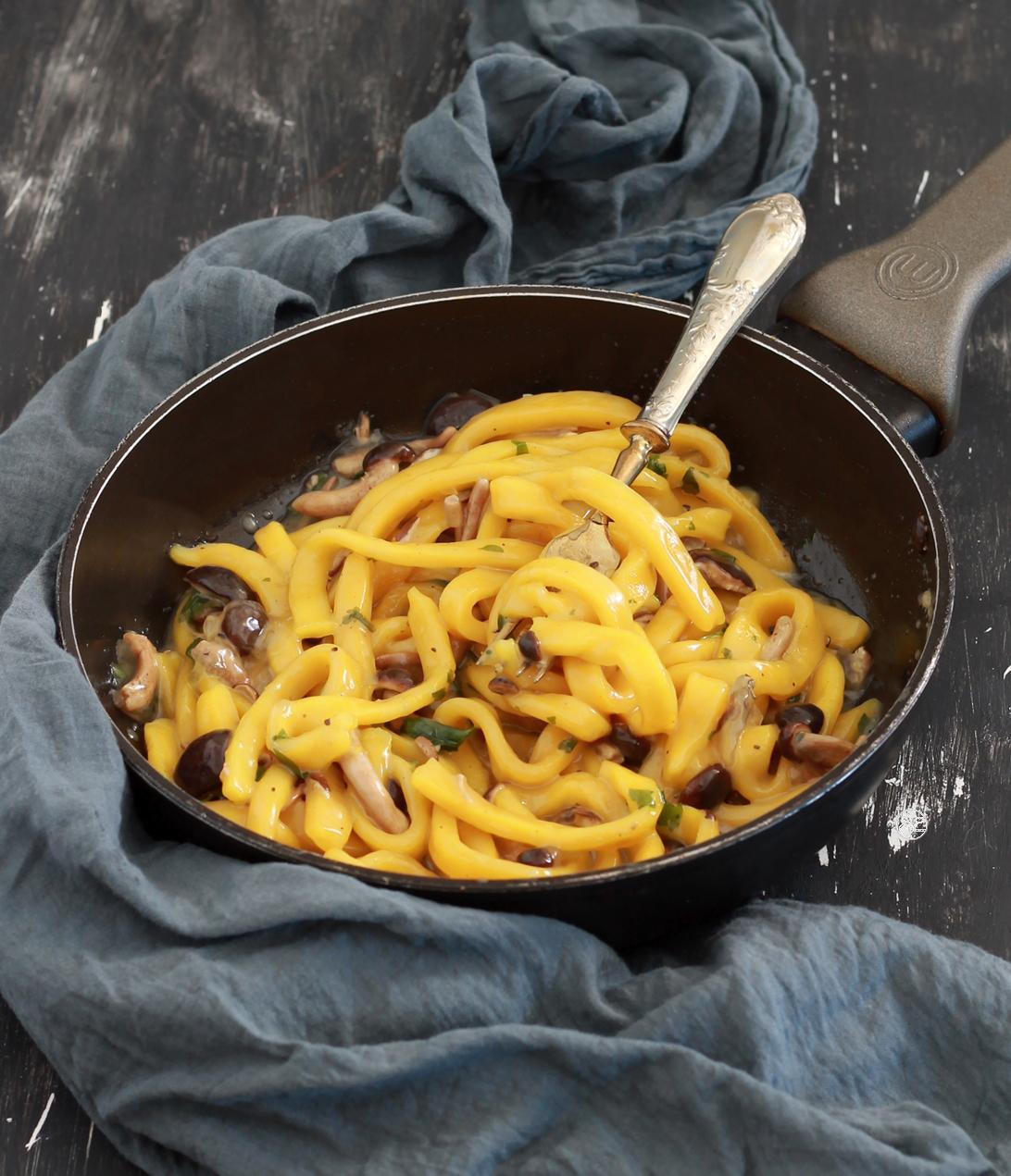 Pâtes troccoli au curcuma sans gluten et sans œufs - La Cassata Celiaca