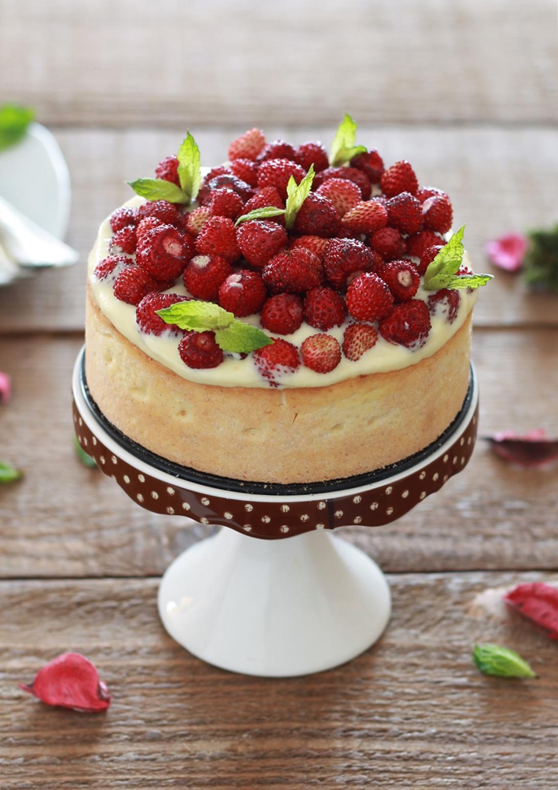 Crostata senza glutine con crema al mascarpone e fragoline - La Cassata Celiaca