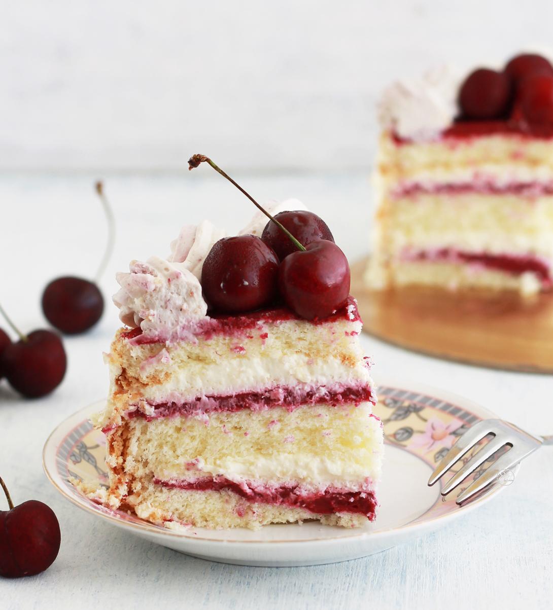 Torta con crema e ciliegie senza glutine - La Cassata Celiaca