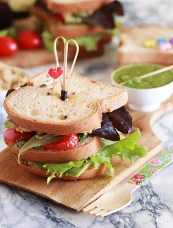 Sandwich con avocado e hummus senza glutine - La Cassata Celiaca