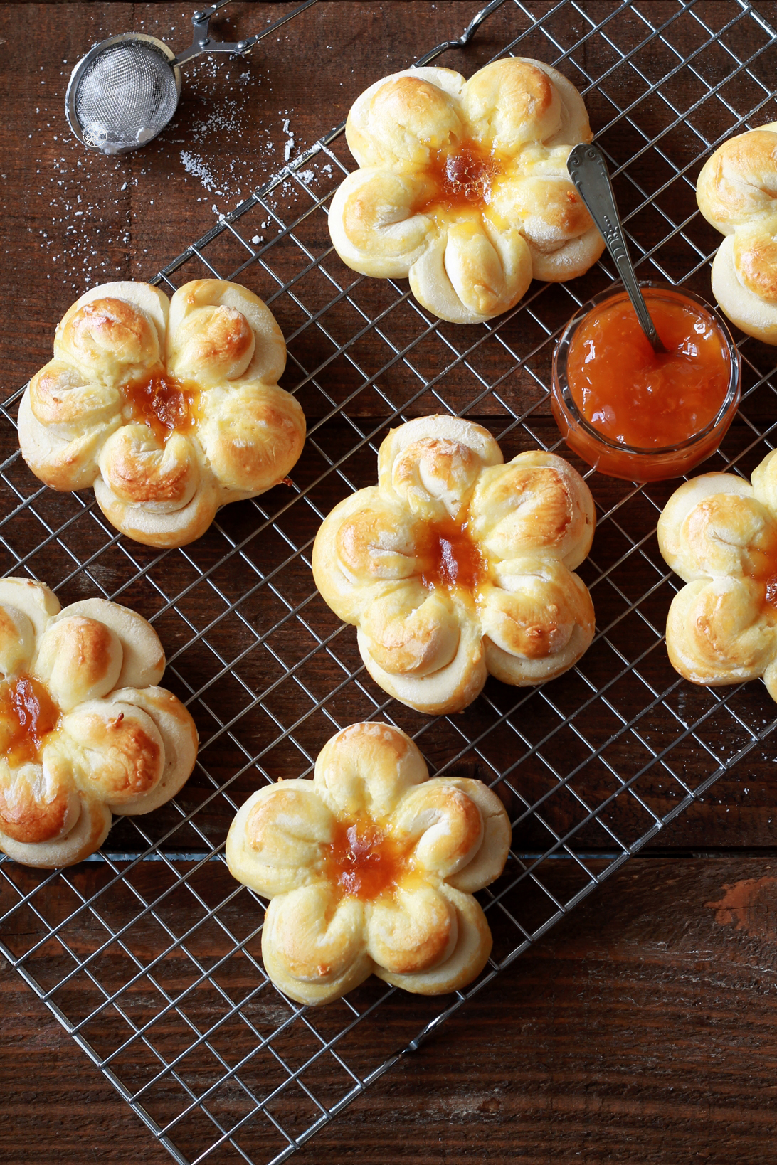 Petites brioches fleurs sans gluten - La Cassata Celiaca