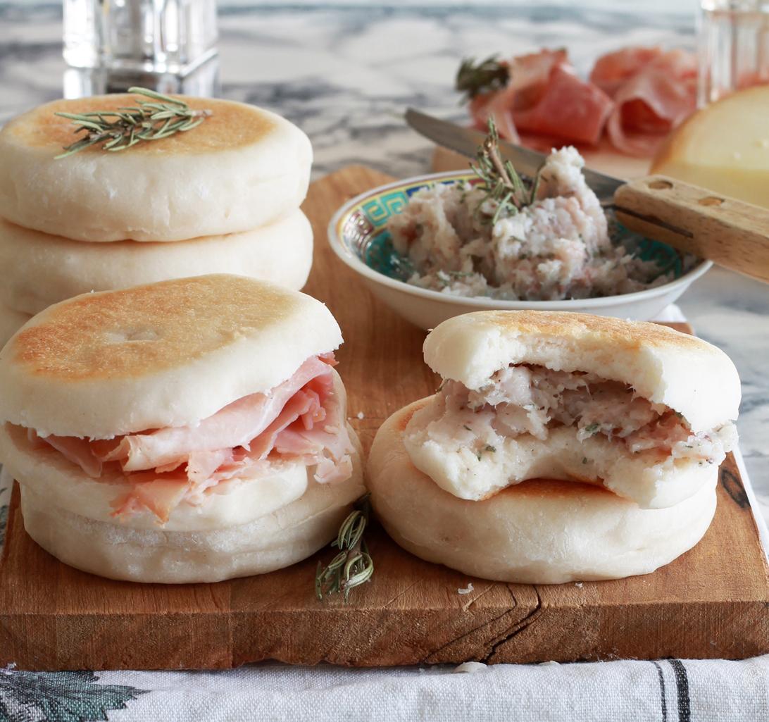 Tigelle senza glutine con pesto alla modenese - La Cassata Celiaca