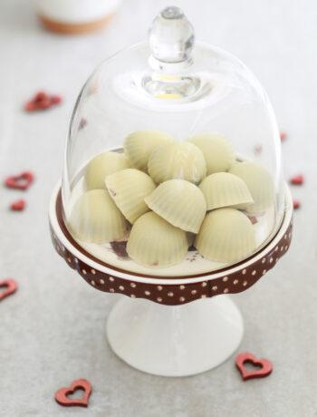 Pralines au chocolat blanc et noir pour la Saint Valentin - La Cassata Celiaca