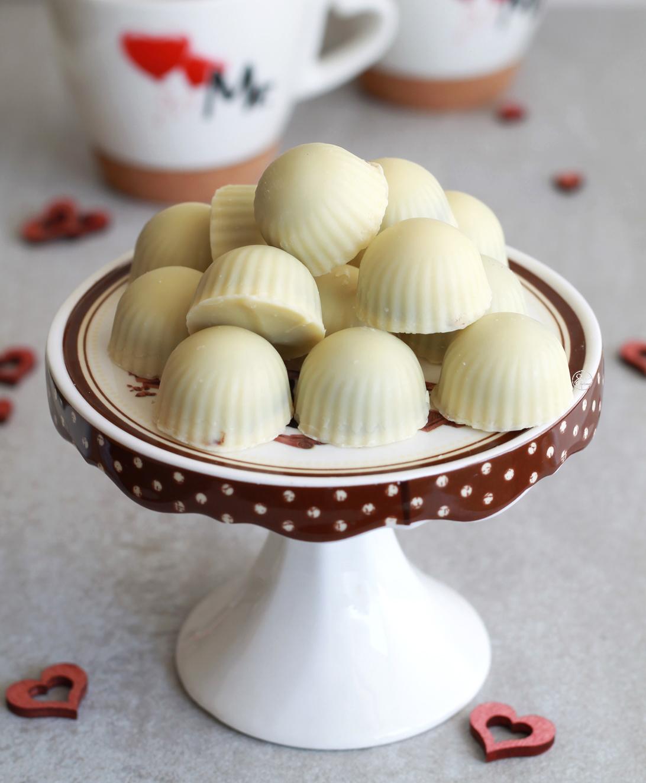 Praline al cioccolato bianco e fondente per San Valentino - La Cassata Celiaca