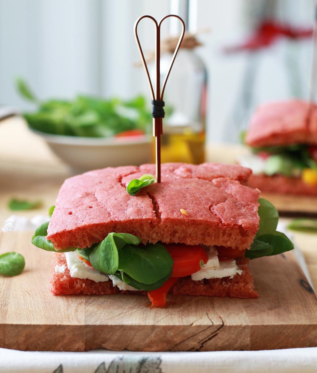 Focaccia rosa con lievito madre senza glutine - La Cassata Celiaca