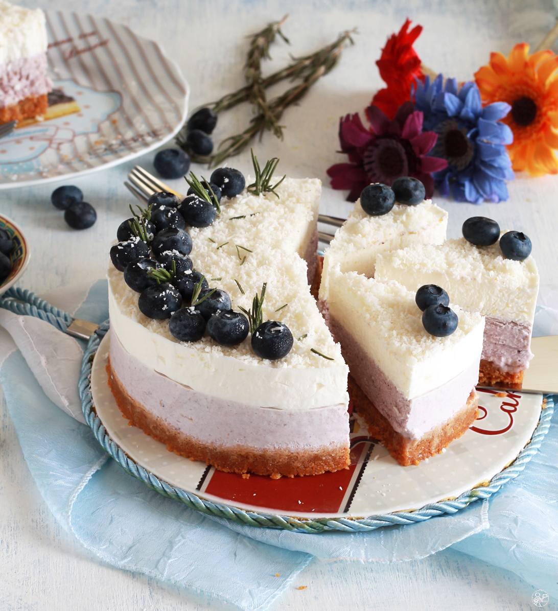 Cheesecake ai mirtilli senza glutine, senza uova, senza zucchero - La Cassata Celiaca